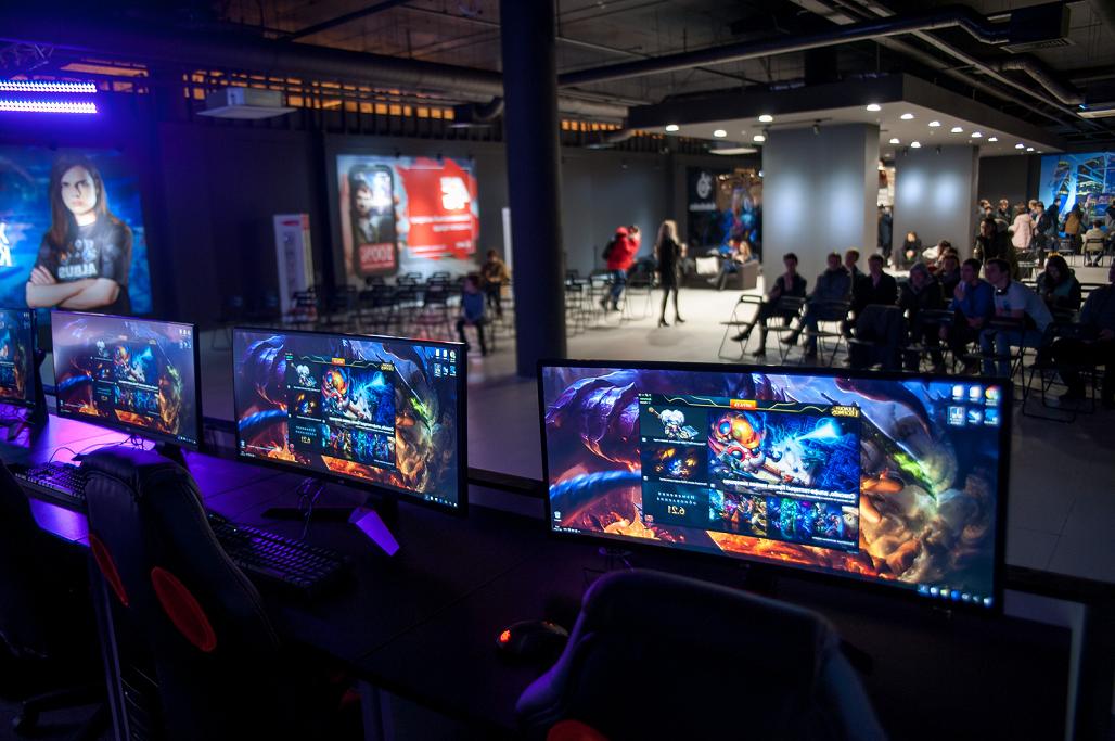 игровой компьютерный клуб сайт